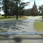 Sliding Driveway Gate – Aluminium – Round Tube – Spears – Double Top Rail – ATA NeoSlide Remote control Automatic Gate Opener – Solar – Hattonvale – 4341
